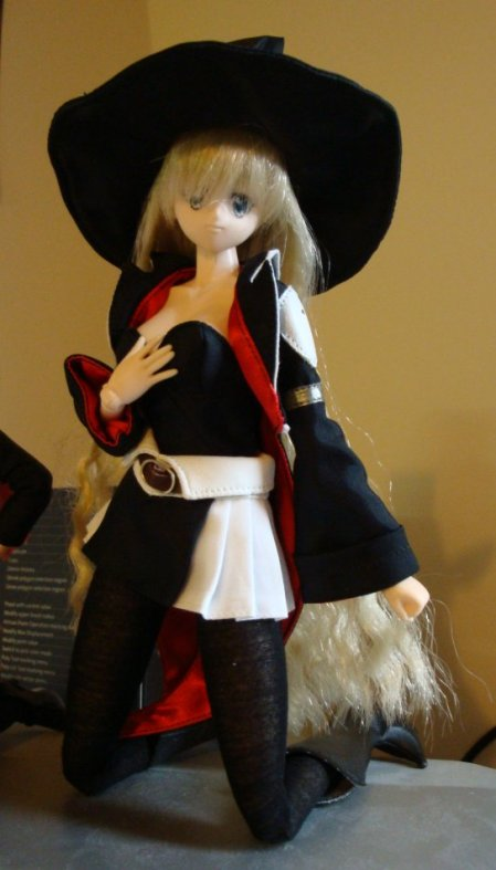 I also got the hat with it. Mucho cute outfit. Theres also a broom too, but I hadn't switched hands at this point. I need to sort her fringe out... Its too long even without the hat lol.