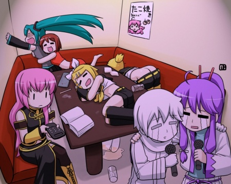 The other super-cute Vocaloid Karaoke pic from Gelbooru. These are the biggest sizes they had me thinks.