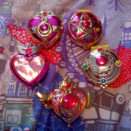 They're the gachapon ones, cheap but cute and shiny.